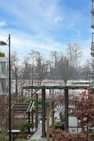 """Photo 15: 312 3163 RIVERWALK Avenue in Vancouver: South Marine Condo for sale in """"NEW WATER"""" (Vancouver East)  : MLS®# R2541577"""