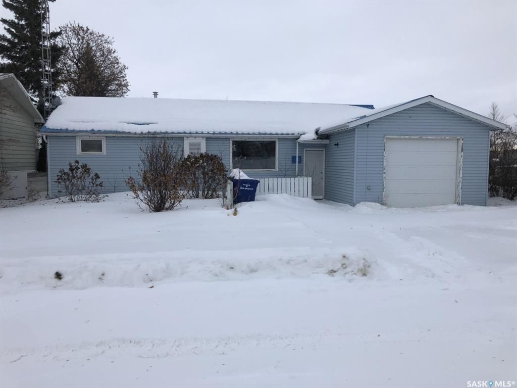 Main Photo: 780 2nd Avenue East in Zenon Park: Residential for sale : MLS®# SK839534