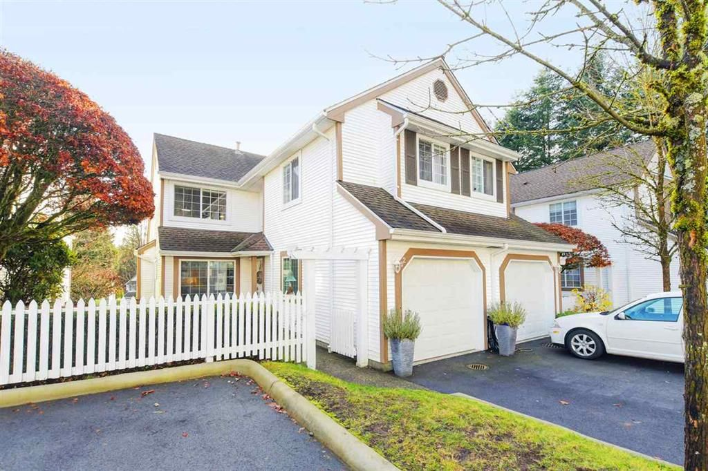 Main Photo: 32 3939 Indian River Drive in North Vancouver: Indian River Townhouse for sale : MLS®# R2420918