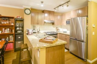 """Photo 5: 213 3082 DAYANEE SPRINGS Boulevard in Coquitlam: Westwood Plateau Condo for sale in """"LANTERNS"""" : MLS®# R2127277"""
