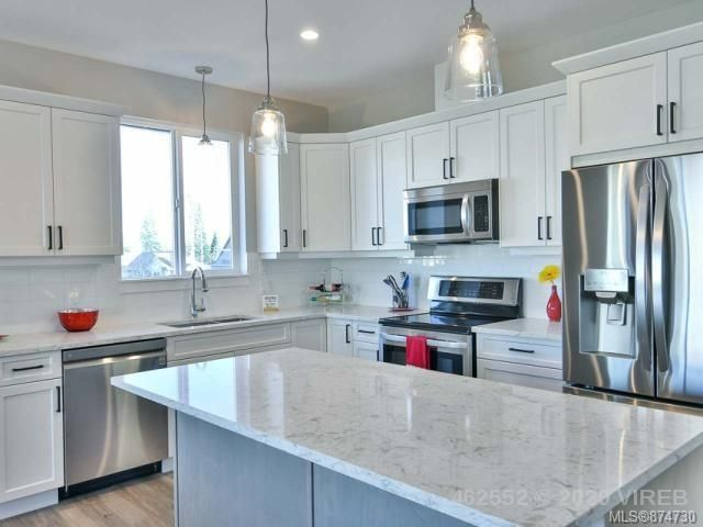 Main Photo: 758 Salal St in : CR Willow Point House for sale (Campbell River)  : MLS®# 874730