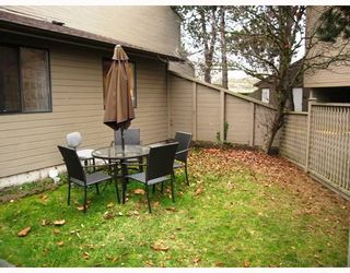 """Photo 4: 101 8040 COLONIAL Drive in Richmond: Boyd Park Townhouse for sale in """"Cherry Tree Place"""" : MLS®# V800665"""