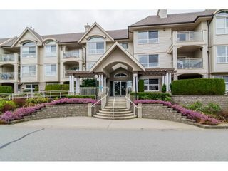 "Photo 1: 312 20381 96 Avenue in Langley: Walnut Grove Condo for sale in ""Chelsea Green / Walnut Grove"" : MLS®# R2341348"