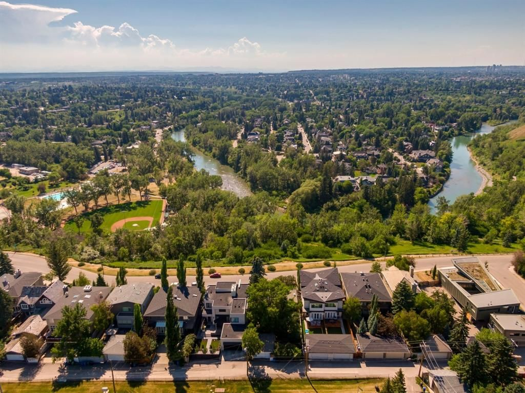 Main Photo: 3940 1A Street SW in Calgary: Parkhill Detached for sale : MLS®# A1125014