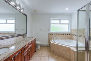 Photo 14: 6898 184 Street in Surrey: Cloverdale BC House for sale (Cloverdale)  : MLS®# R2376160