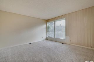 Photo 3: 6 Spinks Drive in Saskatoon: West College Park Residential for sale : MLS®# SK869610