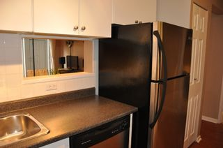 Photo 5: 915 Britton Drive in Woodside Village: Home for sale