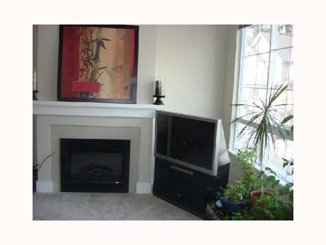 """Photo 3: Photos: 87 9088 HALSTON Court in Burnaby: Government Road Townhouse for sale in """"TERRAMOR"""" (Burnaby North)  : MLS®# V817904"""