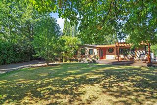 """Photo 2: 7863 227 Crescent in Langley: Fort Langley House for sale in """"Forest Knolls"""" : MLS®# R2496367"""