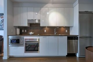 """Photo 5: 1106 161 W GEORGIA Street in Vancouver: Downtown VW Condo for sale in """"Cosmo"""" (Vancouver West)  : MLS®# R2618756"""