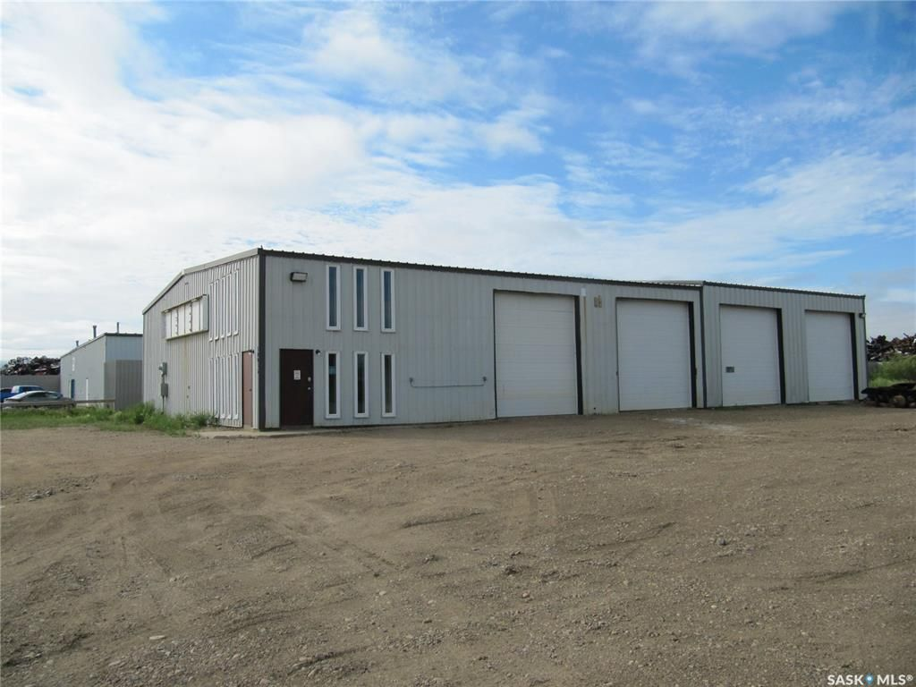 Main Photo: 10035 Thatcher Avenue in North Battleford: Parsons Industrial Park Commercial for sale : MLS®# SK863051