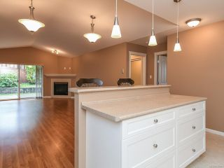 Photo 13: 106 2077 St Andrews Way in COURTENAY: CV Courtenay East Row/Townhouse for sale (Comox Valley)  : MLS®# 836791