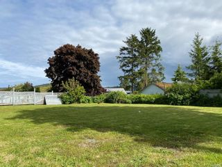 Photo 4: 8725 Seaview Dr in : NI Port Hardy House for sale (North Island)  : MLS®# 878135