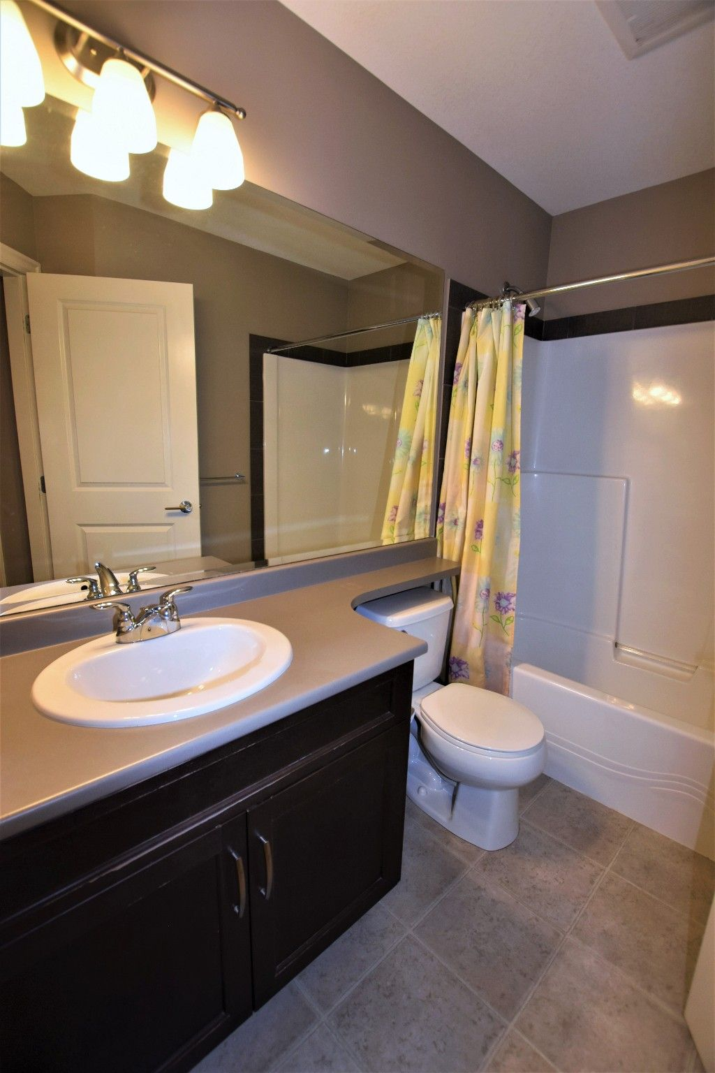 """Photo 14: Photos: 20849 71B Avenue in Langley: Willoughby Heights Condo for sale in """"Milner Heights"""" : MLS®# R2161882"""