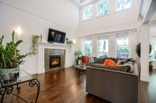 Photo 2: 14758 34A Avenue in Surrey: King George Corridor House for sale (South Surrey White Rock)  : MLS®# R2466213