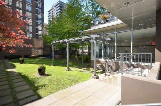 "Photo 13: 1701 1001 HOMER Street in Vancouver: Yaletown Condo for sale in ""THE BENTLEY"" (Vancouver West)  : MLS®# R2243533"