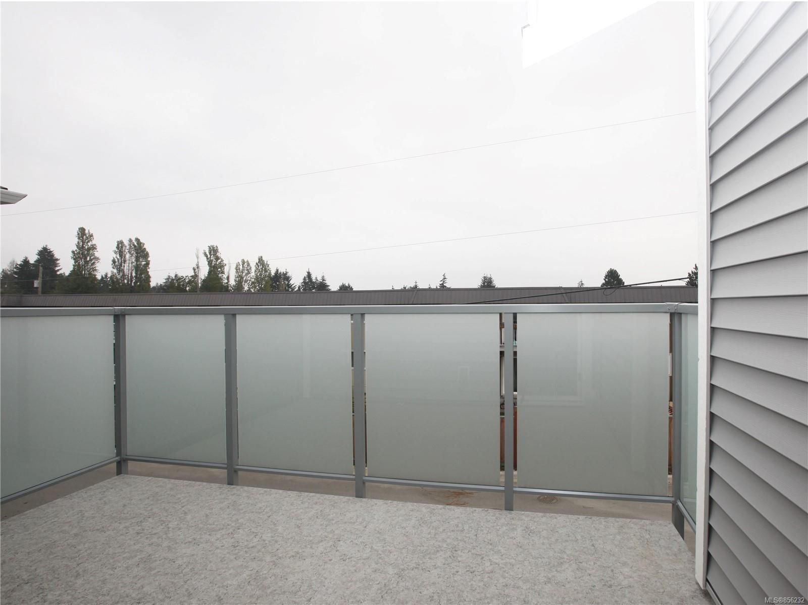 Photo 5: Photos: 596 Lance Pl in : Na University District House for sale (Nanaimo)  : MLS®# 856232