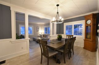 """Photo 3: 928 FINLAY Street: White Rock House for sale in """"Eastbeach"""" (South Surrey White Rock)  : MLS®# R2556381"""