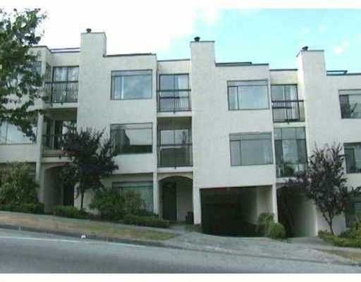 "Main Photo: 2393 OAK ST in Vancouver: Fairview VW Townhouse for sale in ""OAK PLACE"" (Vancouver West)  : MLS®# V557131"