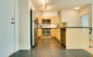 """Photo 3: 315 33538 MARSHALL Road in Abbotsford: Central Abbotsford Condo for sale in """"The Crossing"""" : MLS®# R2569081"""