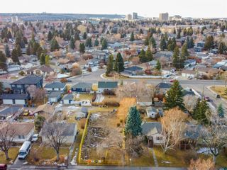 Photo 5: 2719 18 Street NW in Calgary: Capitol Hill Semi Detached for sale : MLS®# A1054076