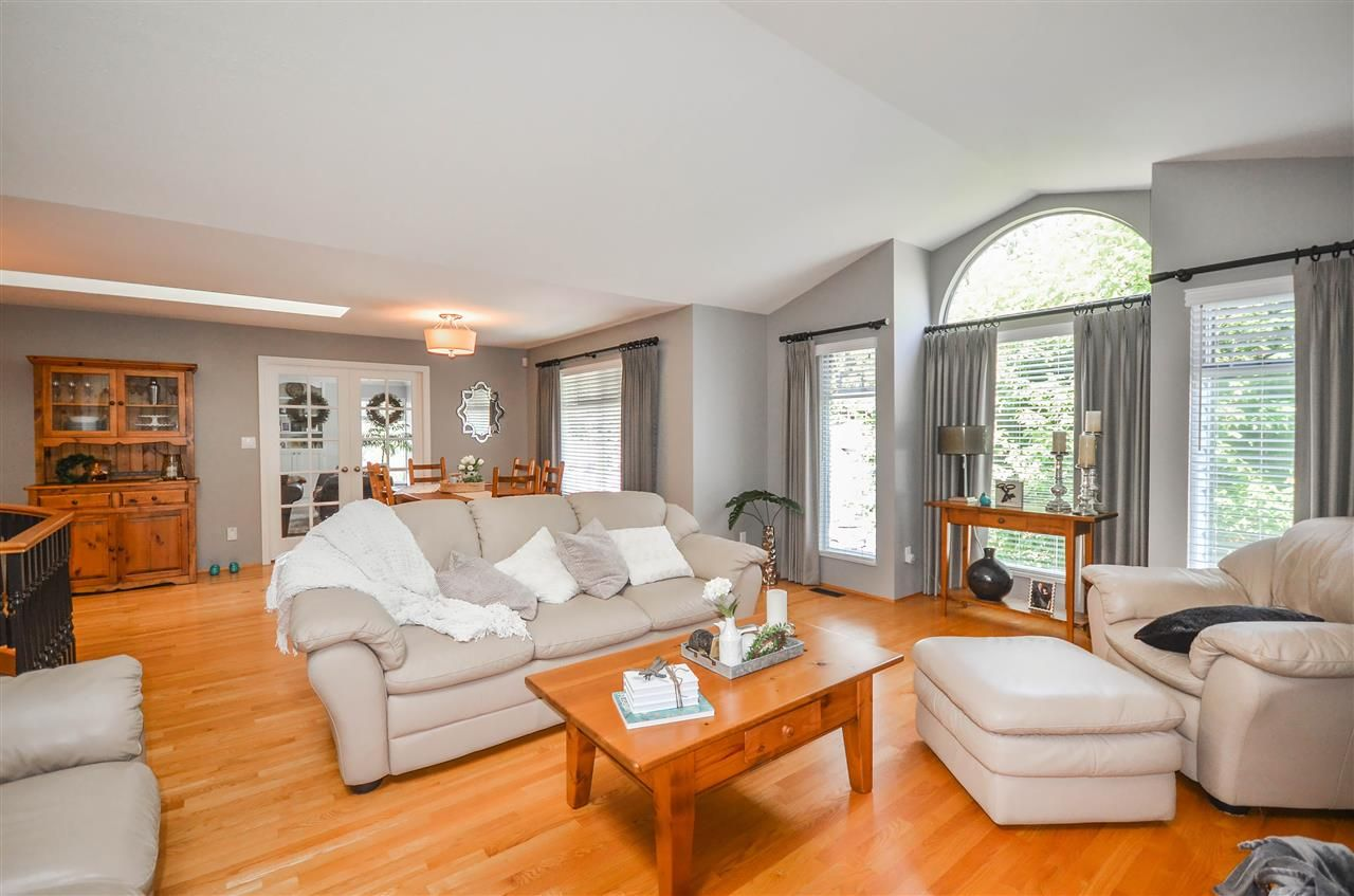 Main Photo: 24 FLAVELLE DRIVE in Port Moody: Barber Street House for sale : MLS®# R2488601