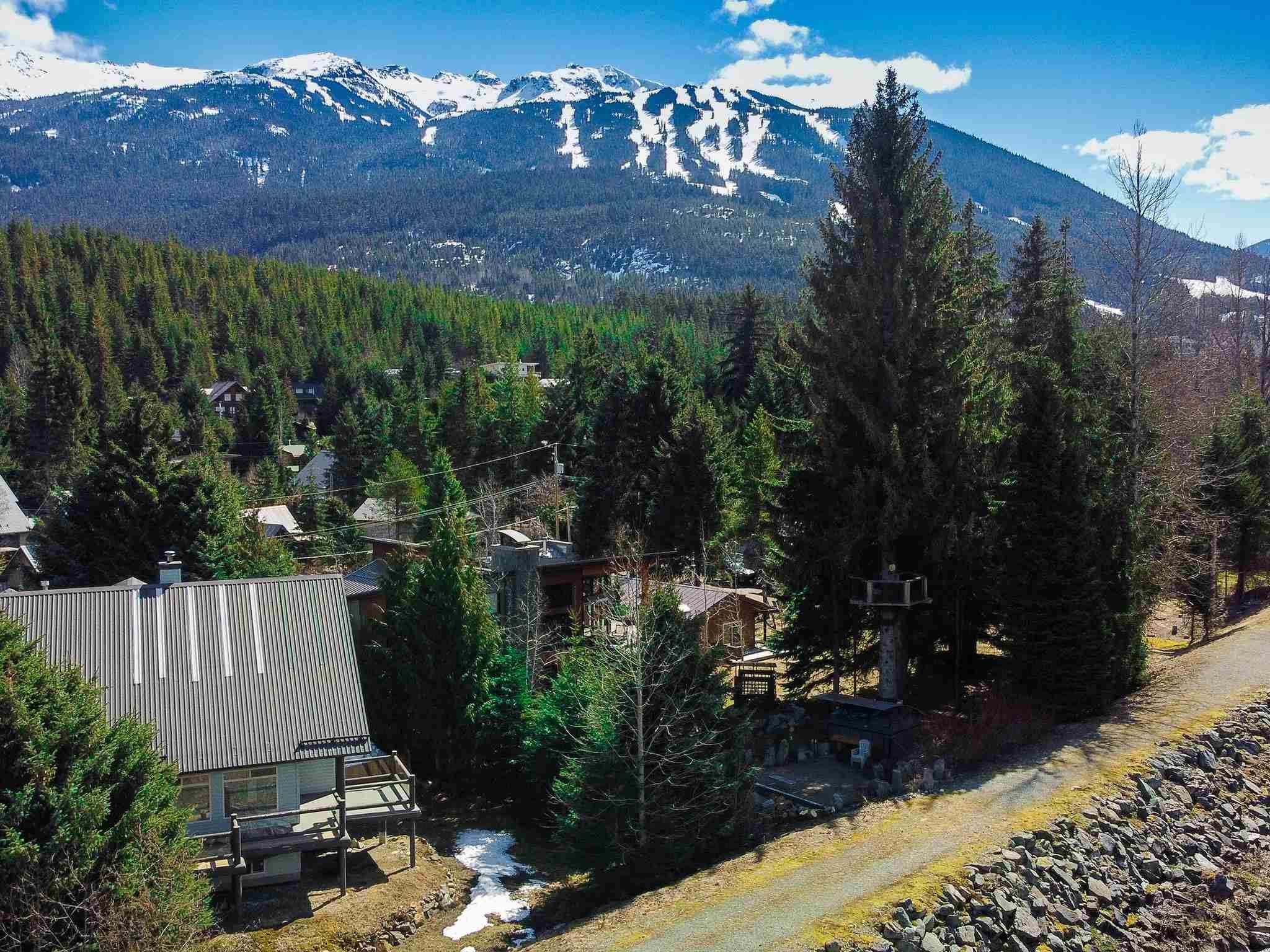 Main Photo: 7201 S FITZSIMMONS Road in Whistler: White Gold House for sale : MLS®# R2606118