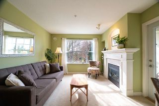 "Photo 3: 316 960 LYNN VALLEY Road in North Vancouver: Lynn Valley Condo for sale in ""Balmoral House"" : MLS®# R2562644"