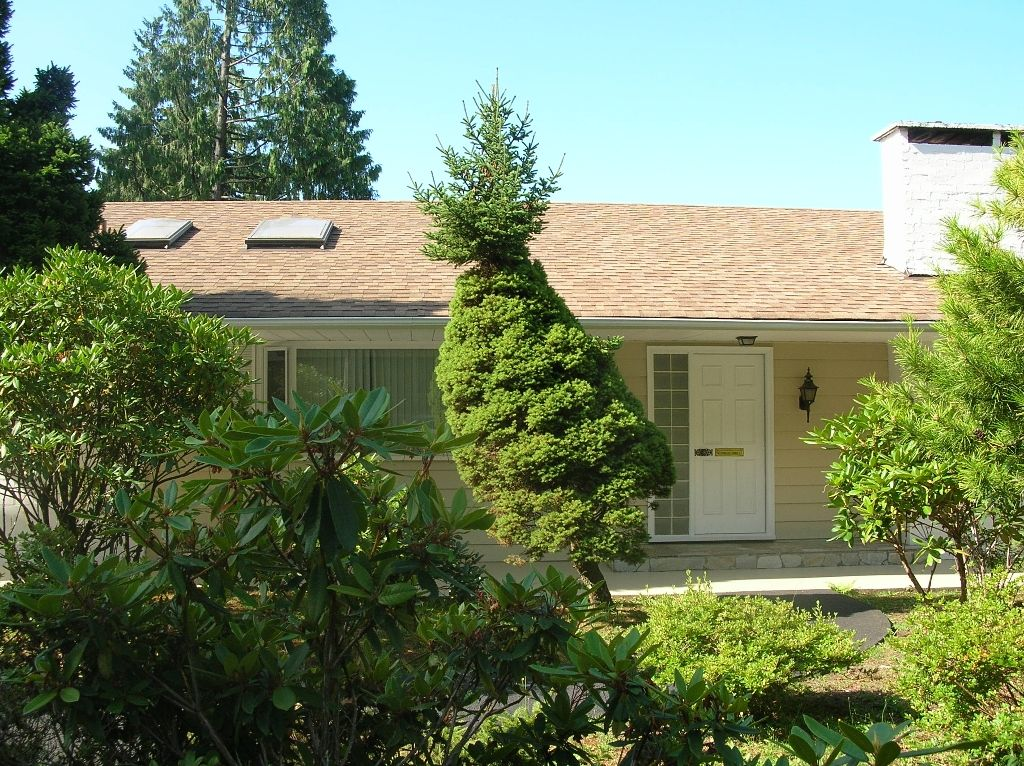 Main Photo: 533 ALPINE CT in North Vancouver: Canyon Heights NV House for sale : MLS®# V904782