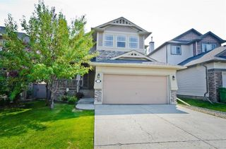 Photo 1: 70 Cresthaven Way SW in Calgary: Crestmont Detached for sale : MLS®# C4285935