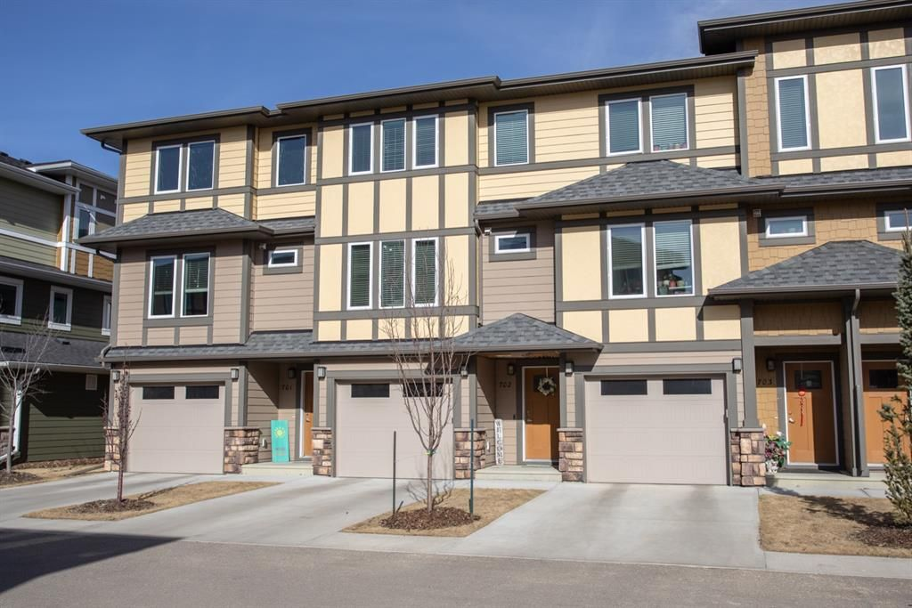 Main Photo: 702 339 Viscount Drive: Red Deer Row/Townhouse for sale : MLS®# A1092981