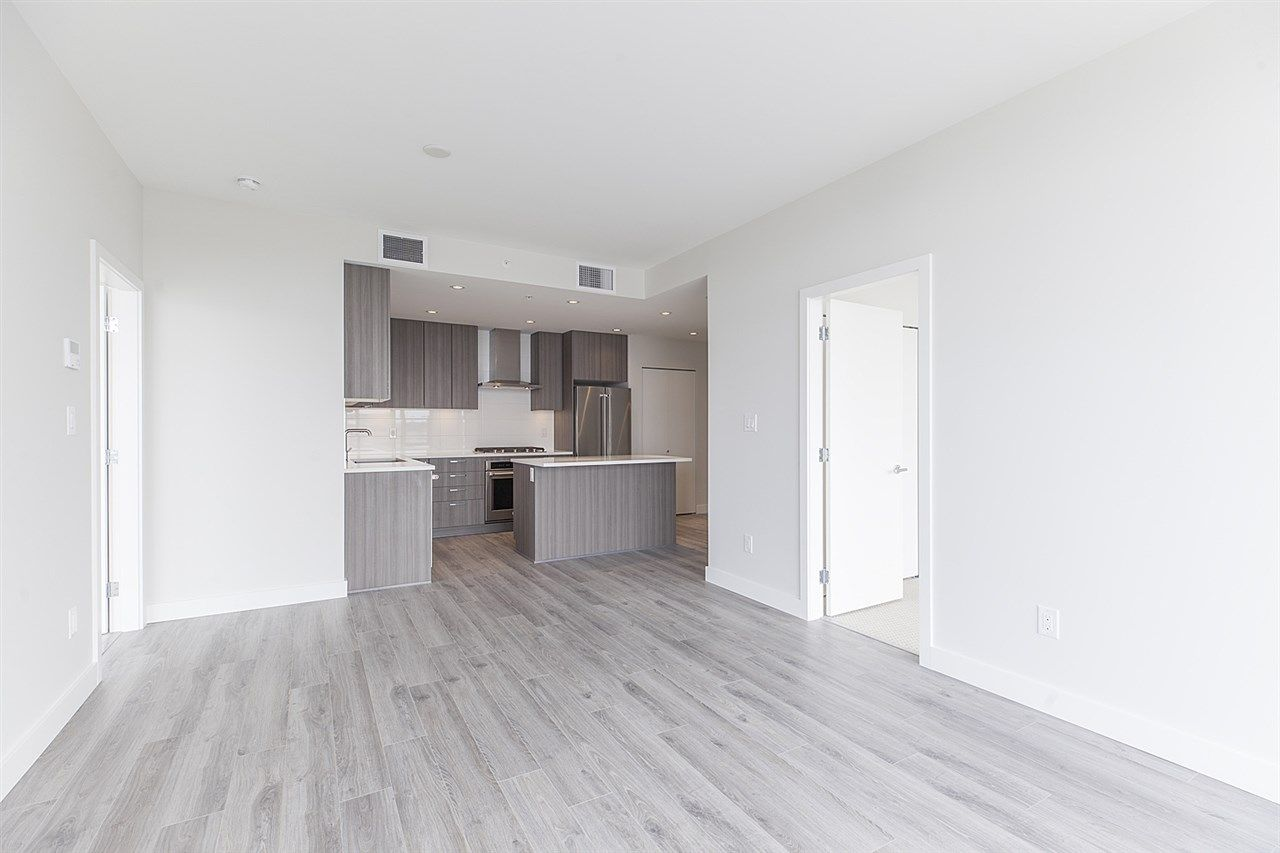 """Photo 7: Photos: 2105 1788 GILMORE Avenue in Burnaby: Brentwood Park Condo for sale in """"Escala"""" (Burnaby North)  : MLS®# R2396907"""