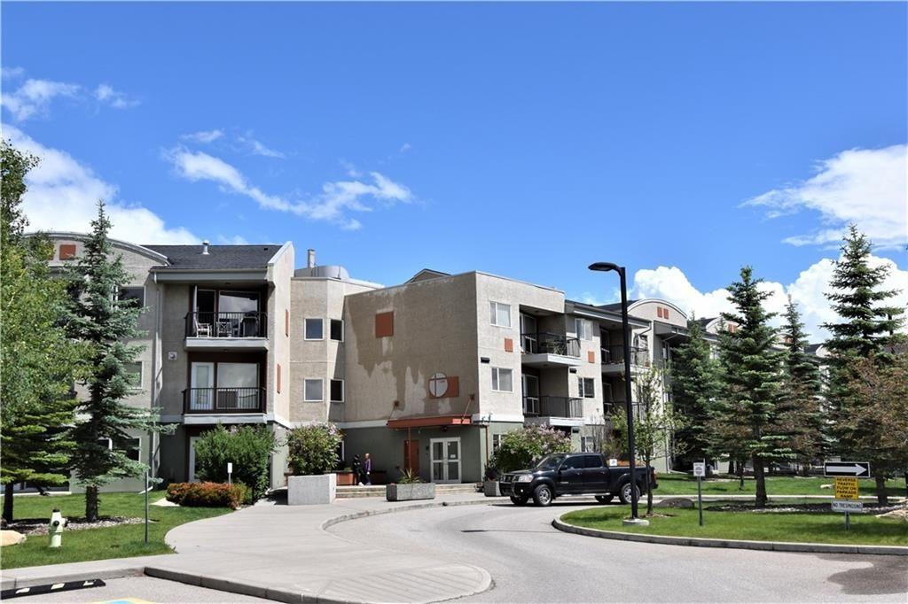 Main Photo: 105 69 SPRINGBOROUGH Court SW in Calgary: Springbank Hill Apartment for sale : MLS®# C4305544
