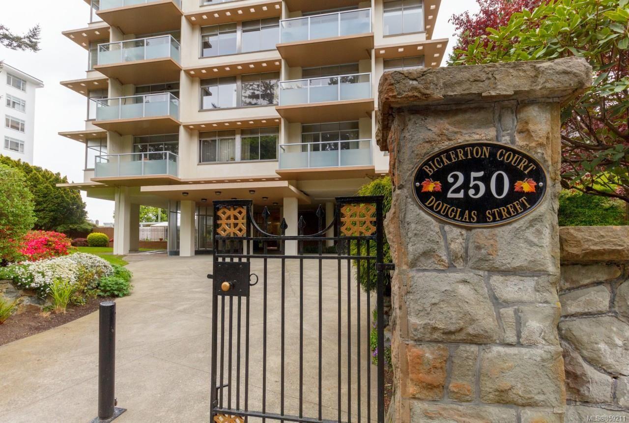 Main Photo: 1003 250 Douglas St in : Vi James Bay Condo for sale (Victoria)  : MLS®# 859211