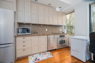"""Photo 3: 413 1333 W GEORGIA Street in Vancouver: Coal Harbour Condo for sale in """"Qube Building"""" (Vancouver West)  : MLS®# R2602829"""