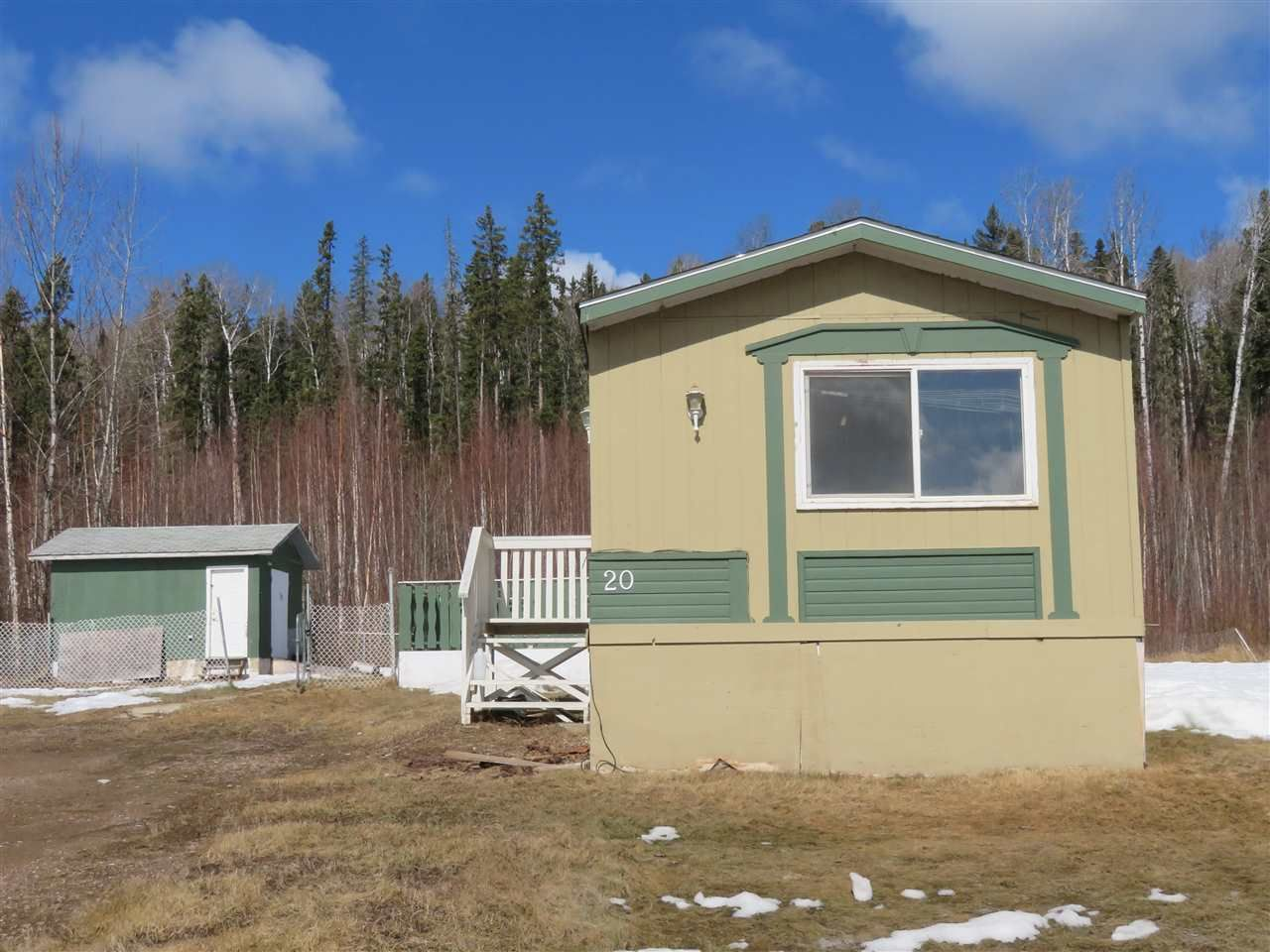 """Main Photo: 20 5701 AIRPORT Drive in Fort Nelson: Fort Nelson -Town Manufactured Home for sale in """"SOUTHRIDGE"""" (Fort Nelson (Zone 64))  : MLS®# R2553015"""