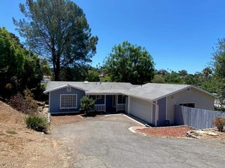 Photo 2: 532 Beaumont Drive in Vista: Residential Lease for sale (92084 - Vista)  : MLS®# NDP2108981