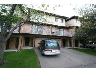 Photo 1: 64 1055 72 Avenue NW in CALGARY: Huntington Hills Townhouse for sale (Calgary)  : MLS®# C3575481