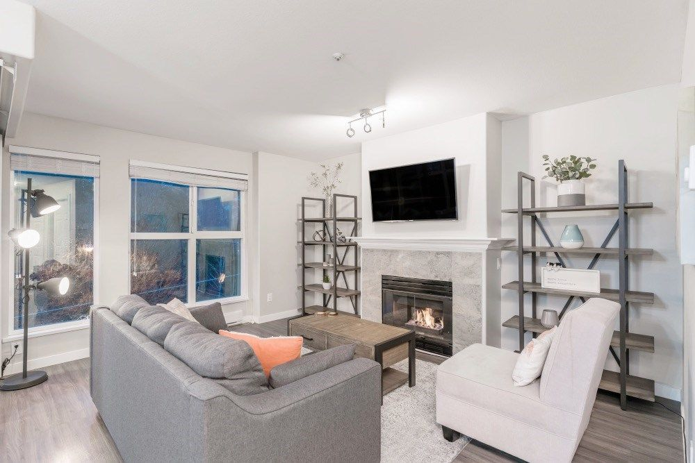 """Main Photo: 301 874 W 6TH Avenue in Vancouver: Fairview VW Condo for sale in """"FAIRVIEW"""" (Vancouver West)  : MLS®# R2542102"""
