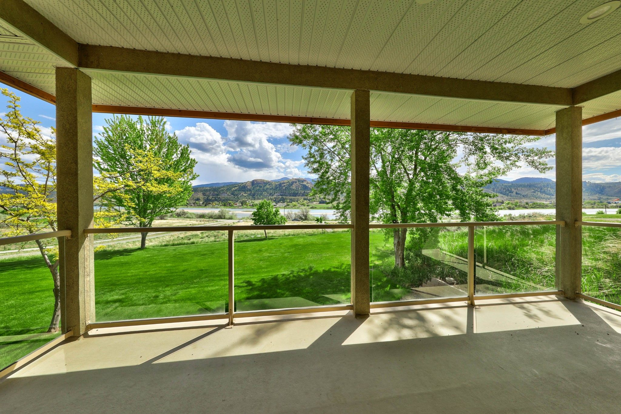Photo 19: Photos: 3299 E Shuswap Road in Kamloops: South Thompson Valley House for sale : MLS®# 162162