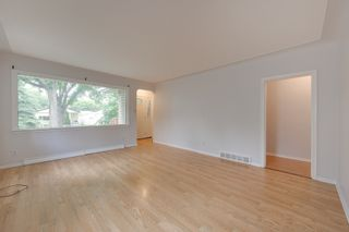 Photo 4: 12123 61 Street NW in Edmonton: House for sale : MLS®# E4166111