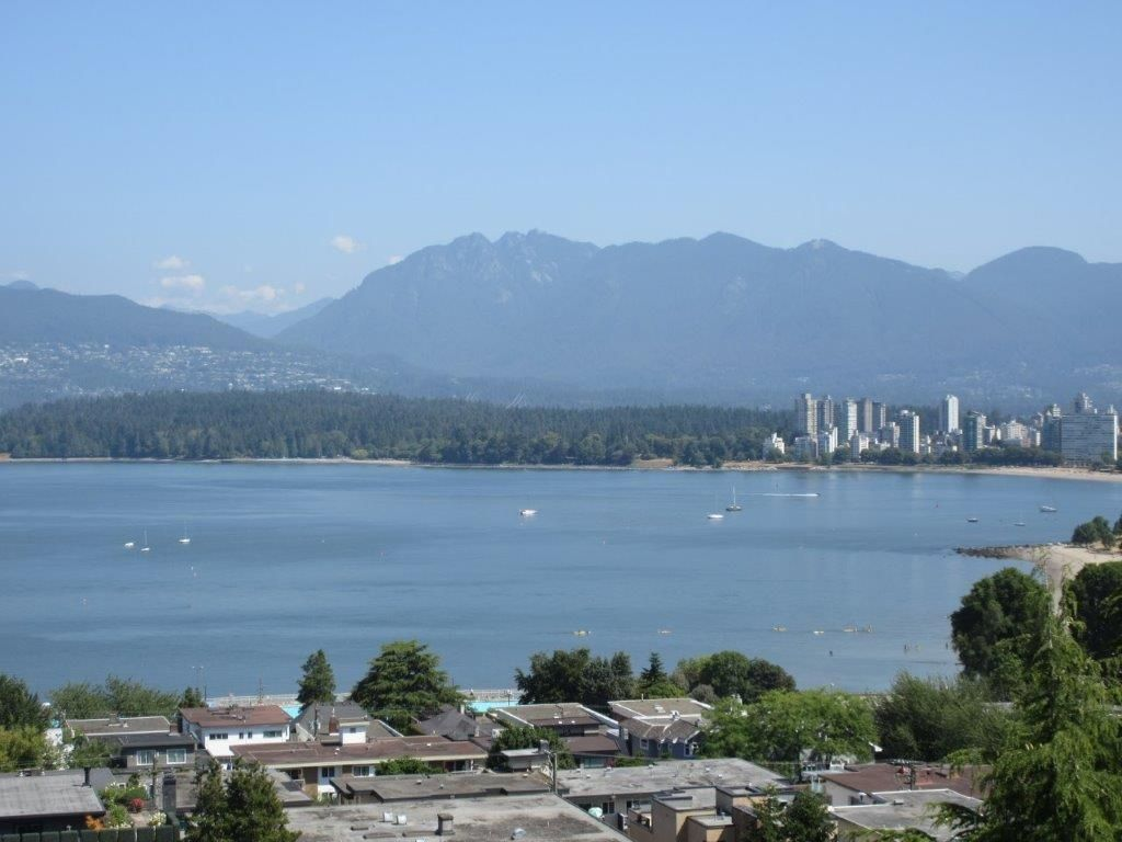 """Main Photo: 906 2370 W 2ND Avenue in Vancouver: Kitsilano Condo for sale in """"Century House"""" (Vancouver West)  : MLS®# R2601938"""