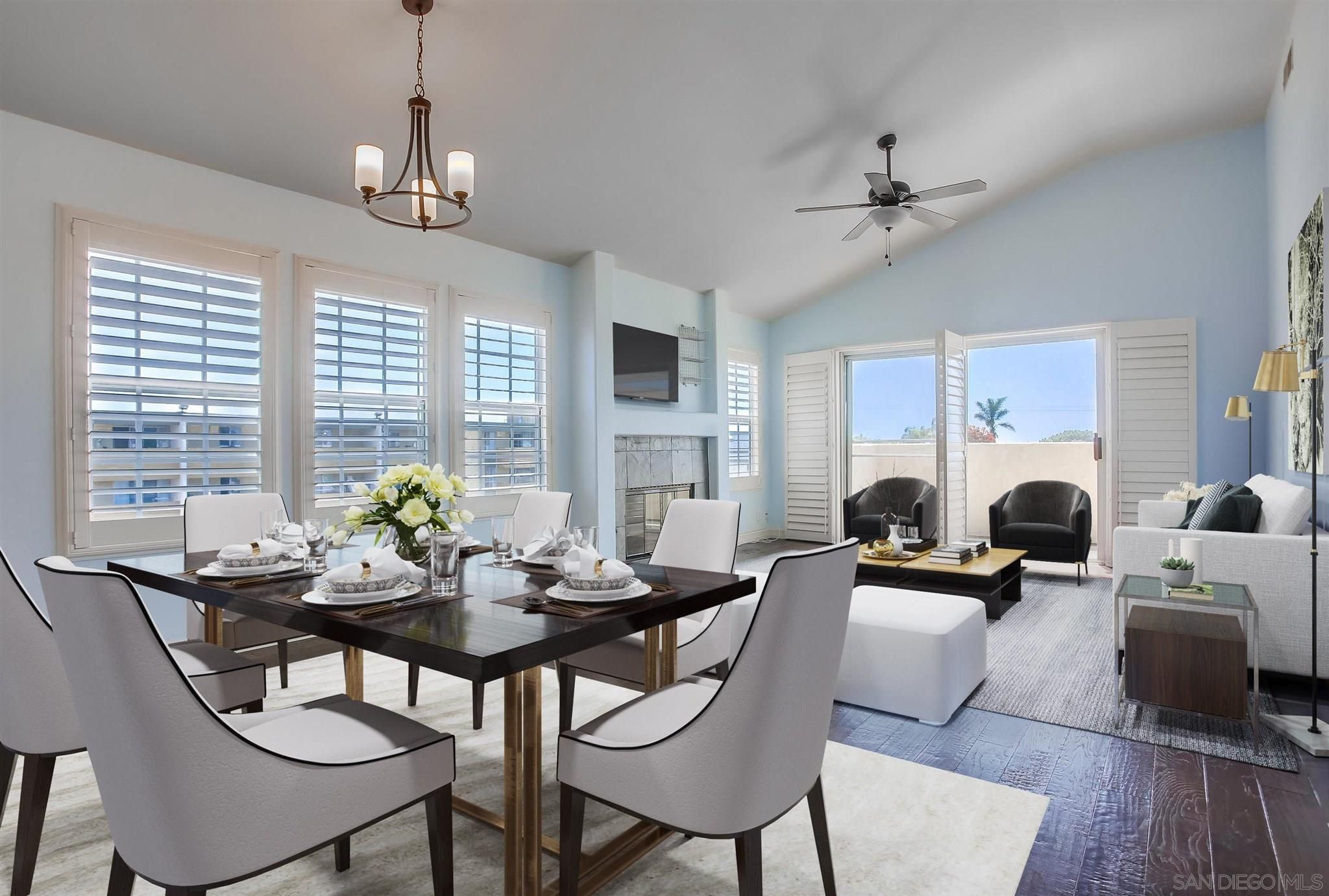 Main Photo: PACIFIC BEACH Townhouse for sale : 3 bedrooms : 1555 Fortuna Ave in San Diego