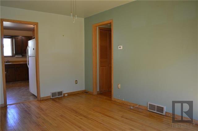 Photo 4: Photos: 255 Dollard Boulevard in Winnipeg: St Boniface Residential for sale (2A)  : MLS®# 1825820