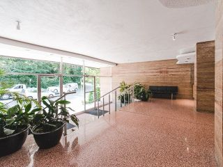 """Photo 16: 206 1445 MARPOLE Avenue in Vancouver: Fairview VW Condo for sale in """"Hycroft Towers"""" (Vancouver West)  : MLS®# R2282720"""