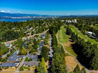 """Photo 32: 4875 COLLEGE HIGHROAD in Vancouver: University VW House for sale in """"UNIVERSITY ENDOWMENT LANDS"""" (Vancouver West)  : MLS®# R2611401"""