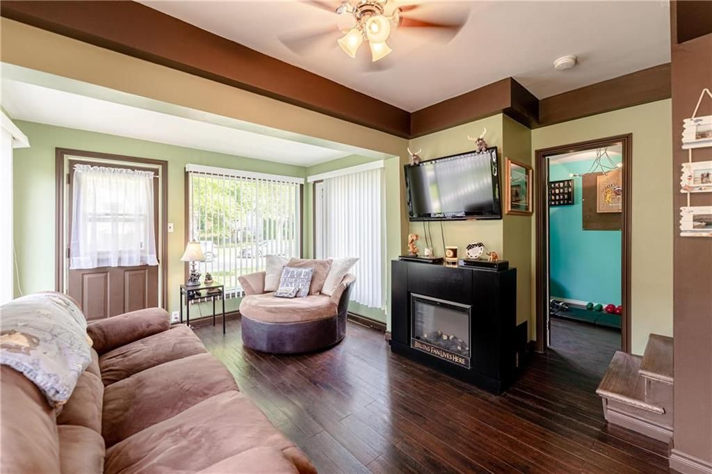 Photo 8: Photos: 805 Madeline Street in Winnipeg: West Transcona Residential for sale (3L)  : MLS®# 202114224