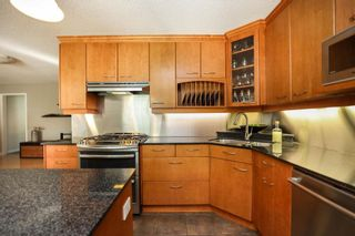 Photo 11: 827 Pepperloaf Crescent in Winnipeg: Charleswood Residential for sale (1G)  : MLS®# 202122244