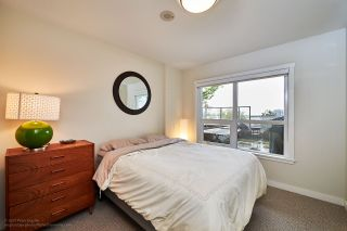 """Photo 8: 505 125 COLUMBIA Street in New Westminster: Downtown NW Condo for sale in """"NORTHBANK"""" : MLS®# R2158737"""