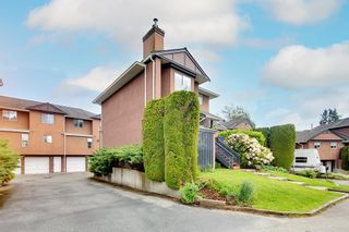 """Photo 3: 17 1336 PITT RIVER Road in Port Coquitlam: Citadel PQ Townhouse for sale in """"Willow Glen"""" : MLS®# R2592264"""